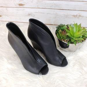 Jessica Simpson Black Leather Heeled Booties 10
